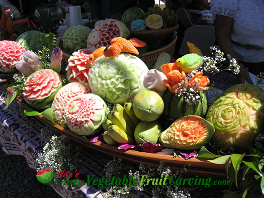 Thai fruit carving display