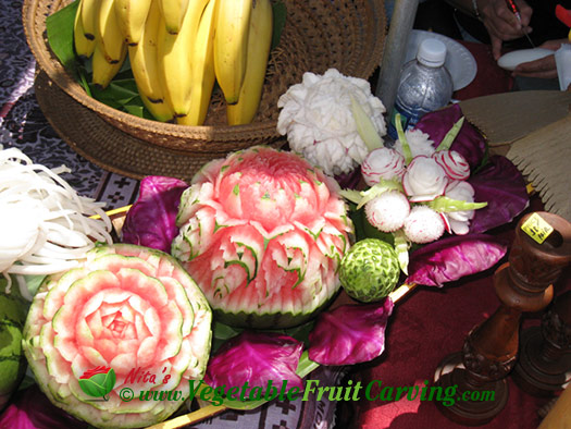 Thai melon carvings and radish bouquet