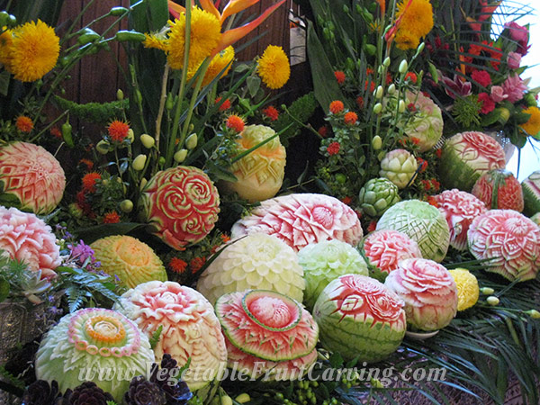 Melon carving display