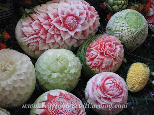 thai-melon-carvings