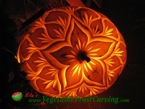 How to carve pumpkin lanterns