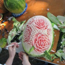 Food Art Melon rose carving