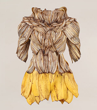 Food fashion by Sung Yeonju - banana dress
