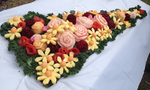 Vegetable and fruit arrangement and carving ideas