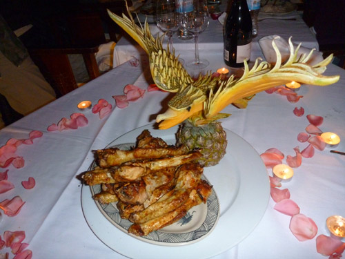Pineapple bird carving in Vietnam