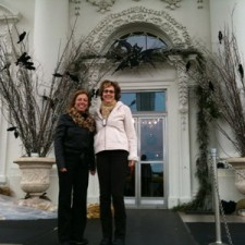 Nita Gill and Pam Leno at the front door of the White House