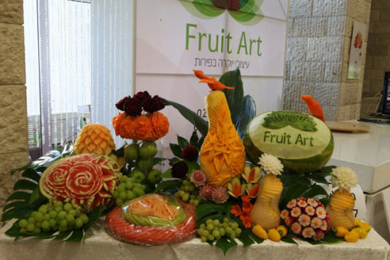 fruit art display by Tzipy Cohen