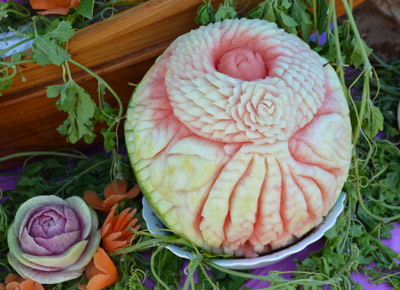 melon carving