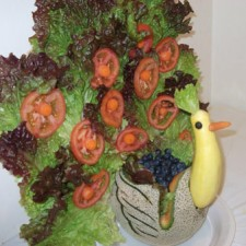 Peacock fruit and vegetable carving