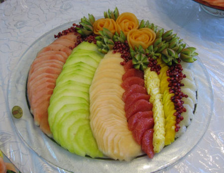 tzipy fruit tray