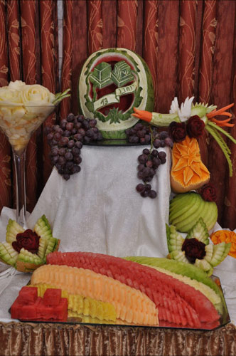 another fruit display by Tzipy Cohen