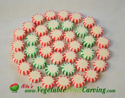 making Christmas candy plate