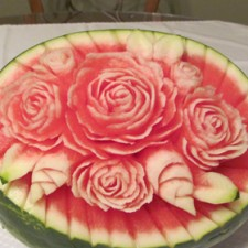 Watermelon roses carved by student