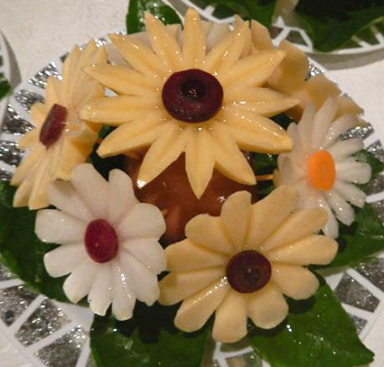 Carved Vegetable Daisies