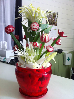 radish-bouquet-sue-bettridg