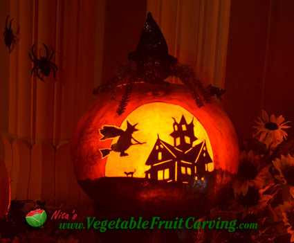 witch-house-pumpkin-lit-1