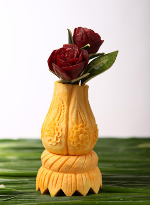Tzipy Fruit Vase Carving