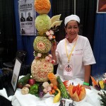 Yolanda Diaz and her fruit carvings