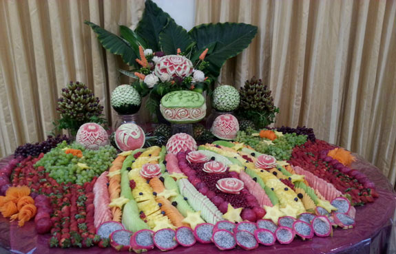 Another of Saada's pretty wedding fruit tables