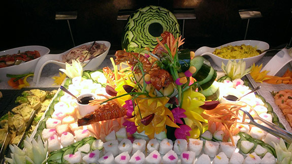 carved-fruit-veggy-sushi-display