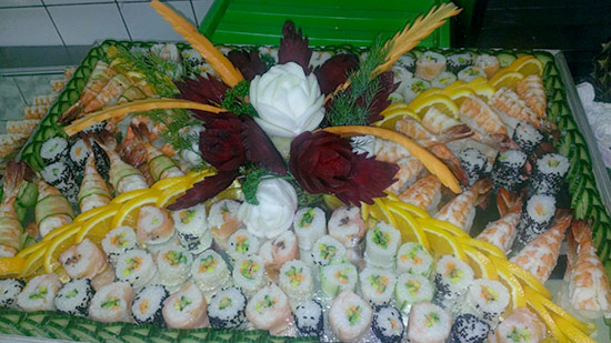 sushi-display-beet-turnip-roses