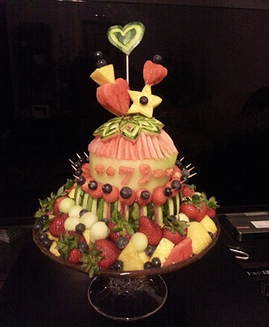 Yun Jung's cake made from fresh watermelon and fruit