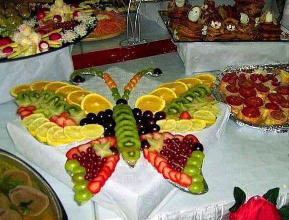 fruit-display-butterfly-lar