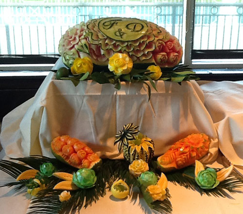 wedding melon and papaya fruti carvings my Jeanette