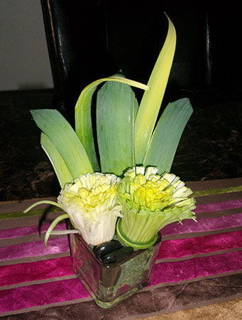 leek flower arrangement by Muskah