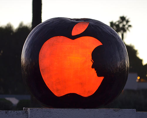 0274_steve-jobs-apple-pumpkin-2015