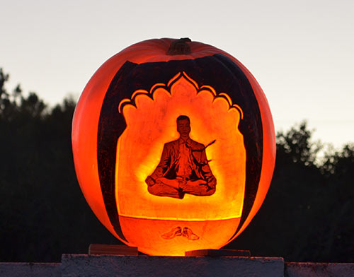 0276_meditation-pumpkin-srf-encinitas2015