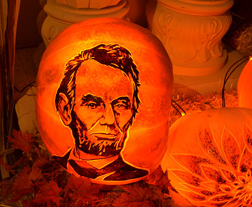 0305_abe-lincoln-pumpkin-srf-encinitas2015