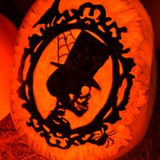 0312_skull-profile-pumpkin-2015
