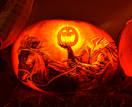 0318_headless-horseman-pumpkin-2015