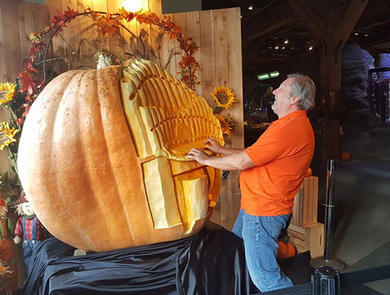 pumpkin pipe organ by Russ Leno