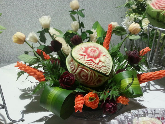 Saada-watermelon-carving-7