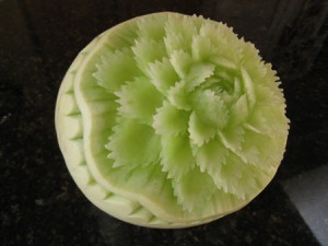 carving melon honeydew